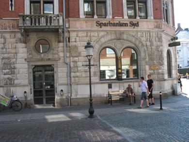 Sparbanken Syd investerar i 16 tidskriftshållare