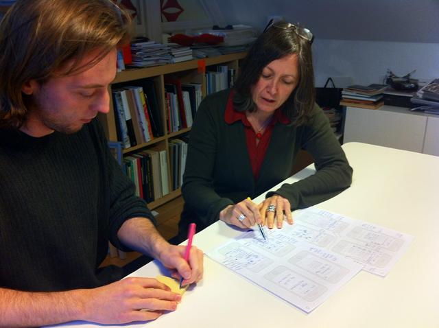 Petra och Kalle skissar på en ovanligt kul app